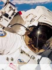 Astronauta wallpaper for Samsung Galaxy Pocket Neo