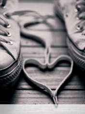 Heart made of shoelaces wallpaper for Samsung Galaxy Chat