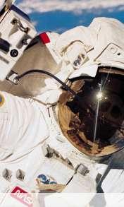 Astronauta wallpaper for HTC Desire 500