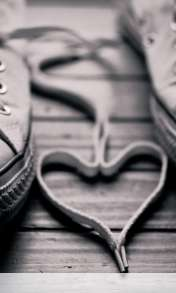 Heart made of shoelaces wallpaper for BlackBerry Z10